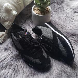 Brooks Heritage Womans Vanguard tennis shoe